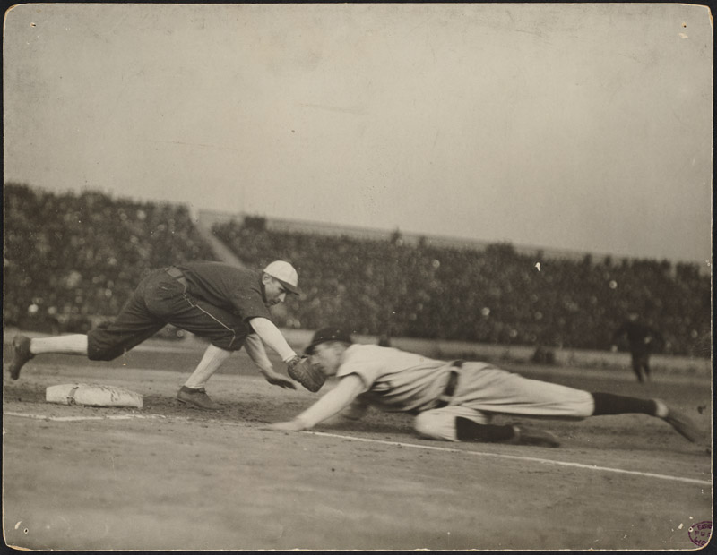 Pick-off_attempt_at_first,_1906_World_Series