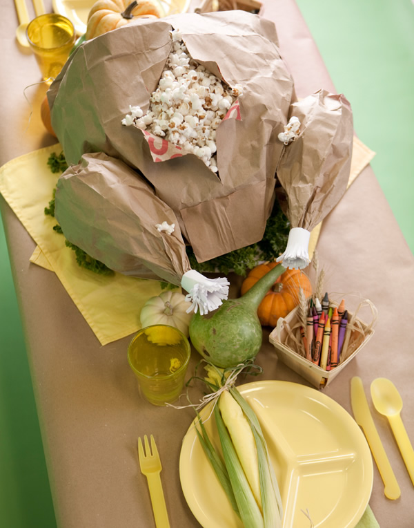 Thanksgiving-centerpiece-popcorn-paper-bag-turkey-2