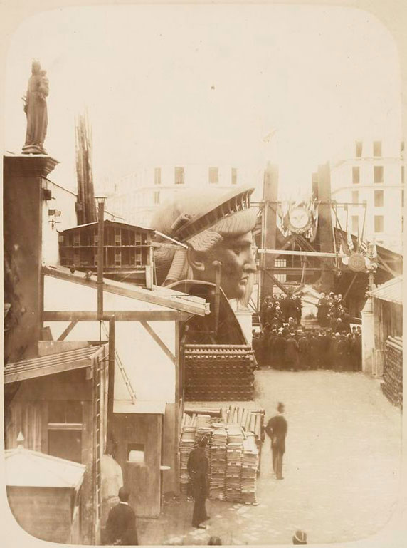 Rare-photos-statue-of-liberty-under-construction-1883-7
