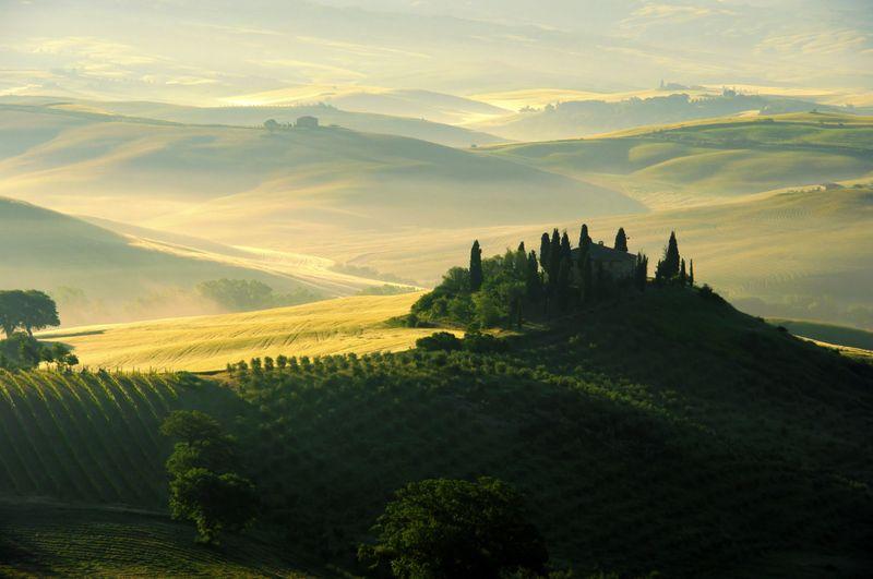 Tuscany-wine-country-landscape