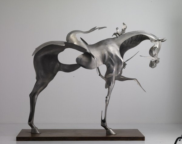 Horse-11-600x474